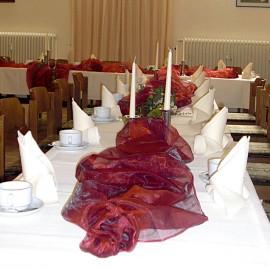 Dekoration der Tische